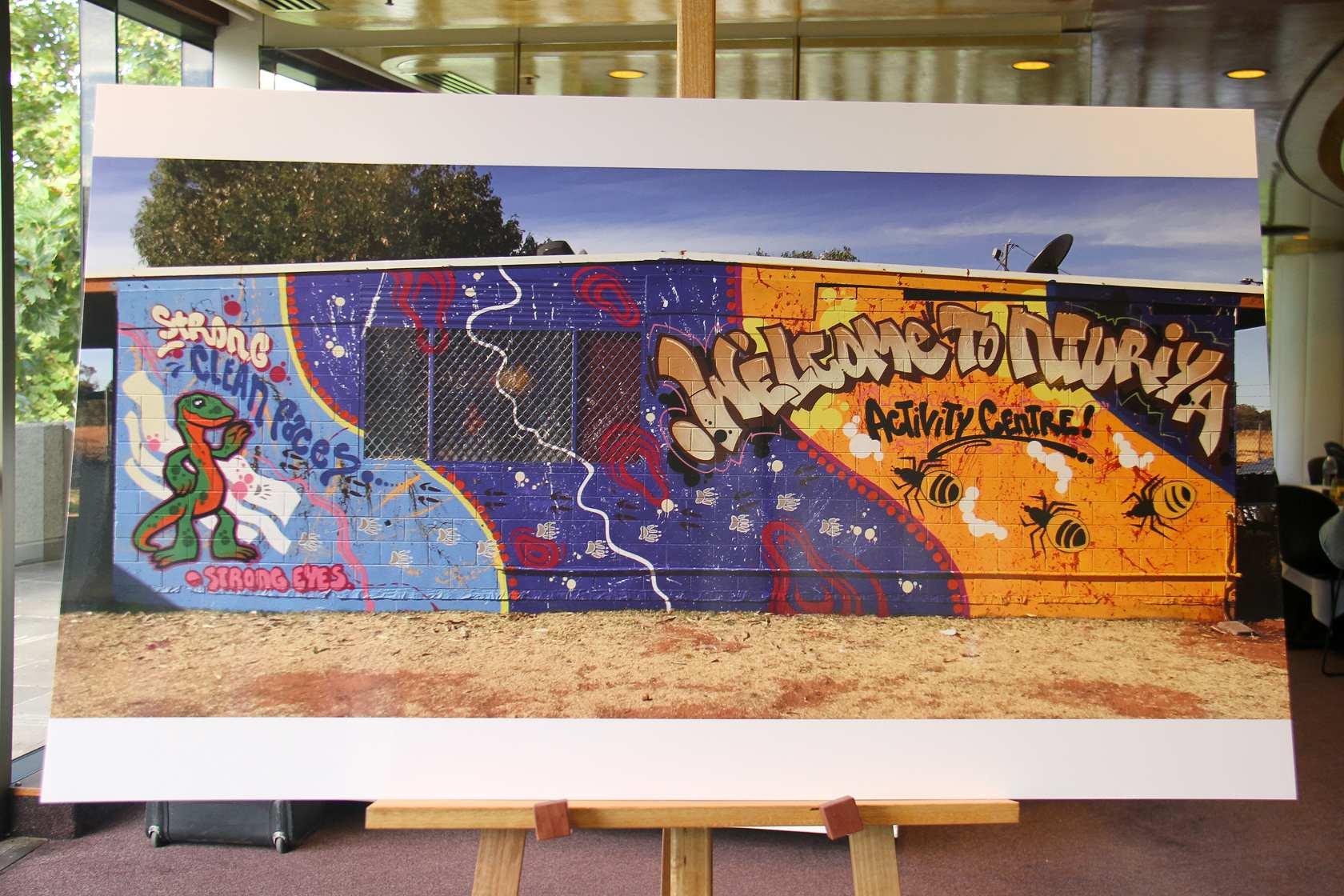 honeypot ant graffiti mural